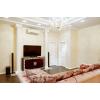 Сдается 3-комнатная квартира в хорошем районе студийного плана с дорогим дизайнерским ремонтом.
