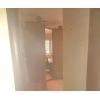 В 2-х комнатной квартире проживает женщина(собственница) .