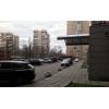 Сдается трехкомнатная квартира в хорошем районе с развитой инфраструктурой.