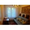 В 2-х комнатной квартире проживает две женщины(снимают) .