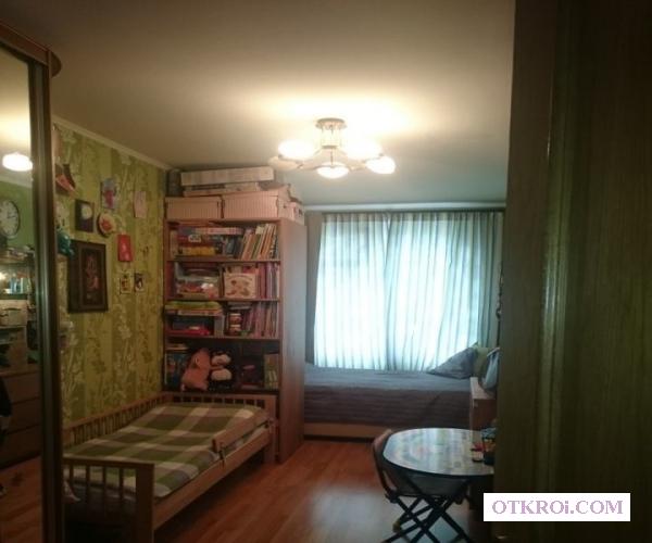 3-комнатная квартира в прекрасном благоустроенном районе.