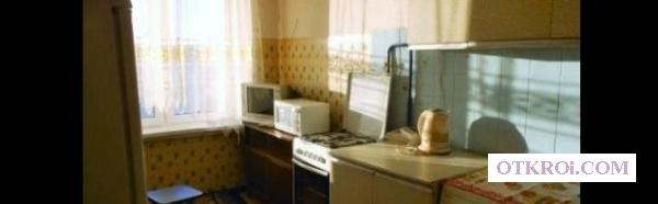 2-к квартиру в хорошем доме с чистым подъездом.