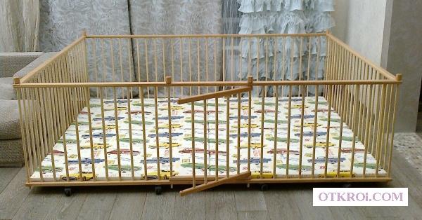 Манеж детский самый большой деревянный 2.  0х2.  5м для двойни с калиткой для