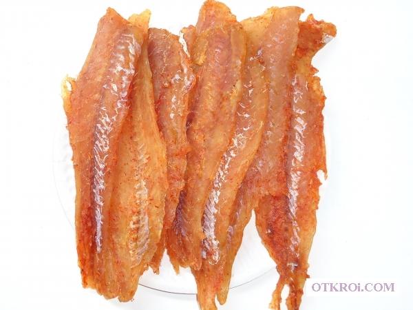 Закуски к пиву, сушёная вяленая рыба, рыбные снеки, морепродукты, орехи, сыр