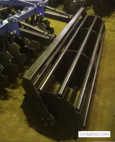 Прикатывающие планчатые и трубчатые катки к дисковым боронам разной длины и диаметра.