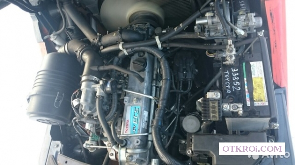 Погрузчик Toyota,  8FG15,  1. 5 тн,  газ/бензин,  2012г