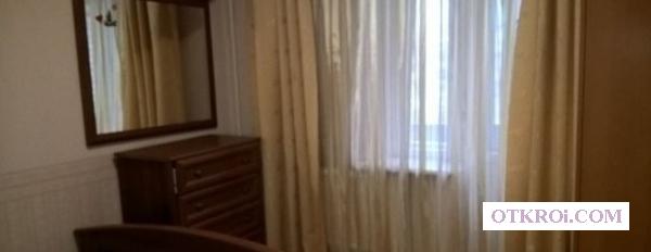 В квартире сдается комната в 3х комнатной квартире.