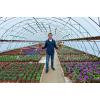 Работник по уходу за цветами