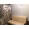 Сдается уютная комната со всей необходимой для проживания мебелью и бытовой техникой.