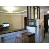 Предлагаем 4-комнатную квартиру в развитом районе по доступной цене.
